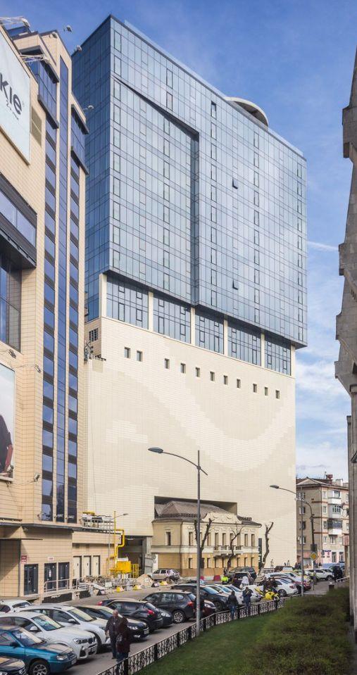 Слияние эпох в современной городской архитектуре (7 фото)