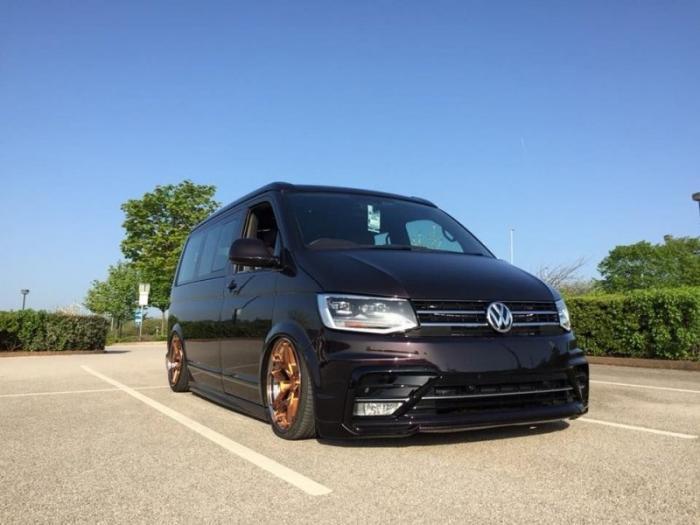 Британцы превратили Volkswagen Transporter в микроавтобус (26 фото)
