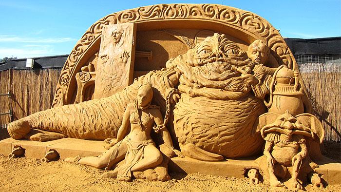 Шикарные скульптуры из песка (20 фото)